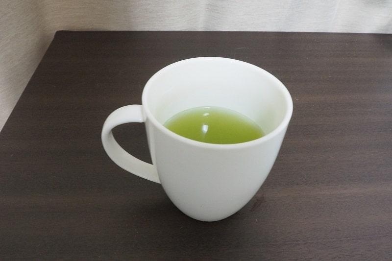 お~いお茶プレミアムティーバッグ緑茶1杯目