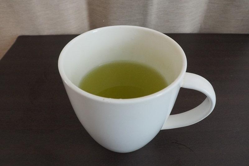 お~いお茶プレミアムティーバッグ緑茶2杯目