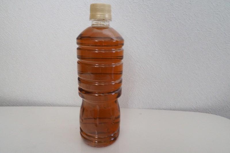 伊藤園烏龍茶の水色