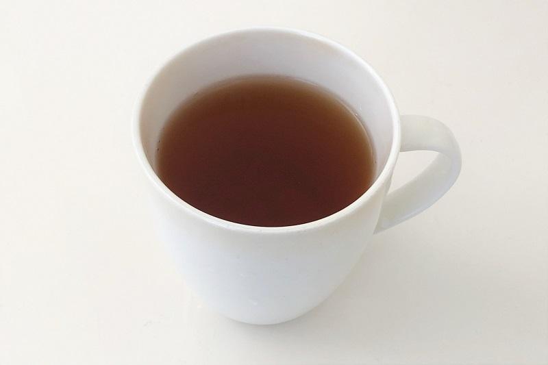 コップにいれた生茶ほうじ茶